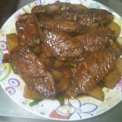 红烧鸡翅土豆