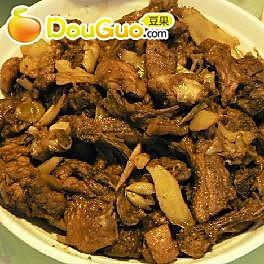 冬吃萝卜夏吃姜——仔姜炒鸭的做法