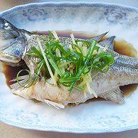 【低热量】清蒸鲈鱼的做法图解7