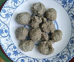 九个月宝宝餐——牛肉香菇丸的做法