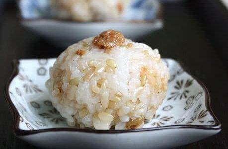 糙米甜饭团的做法