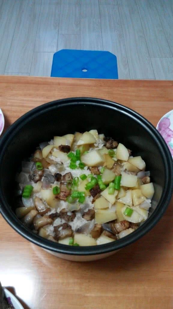五花肉煲仔饭(电饭锅版)