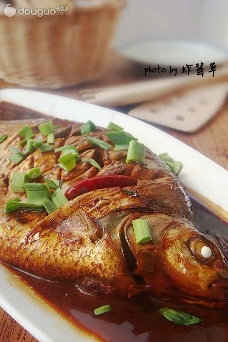 家常油条_红烧武昌鱼怎么做_红烧武昌鱼的做法_炸酱草儿_豆果美食