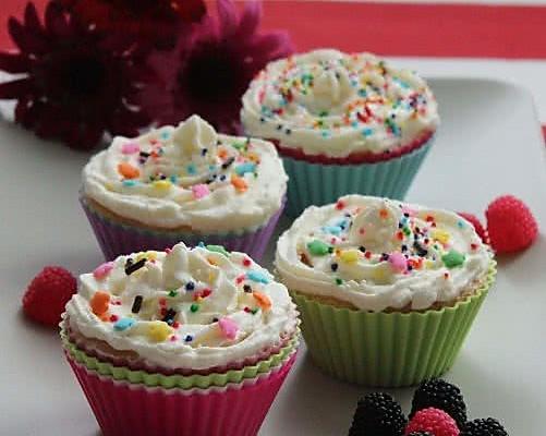 甜蜜可人的手工蛋糕——柠檬小蛋糕的做法