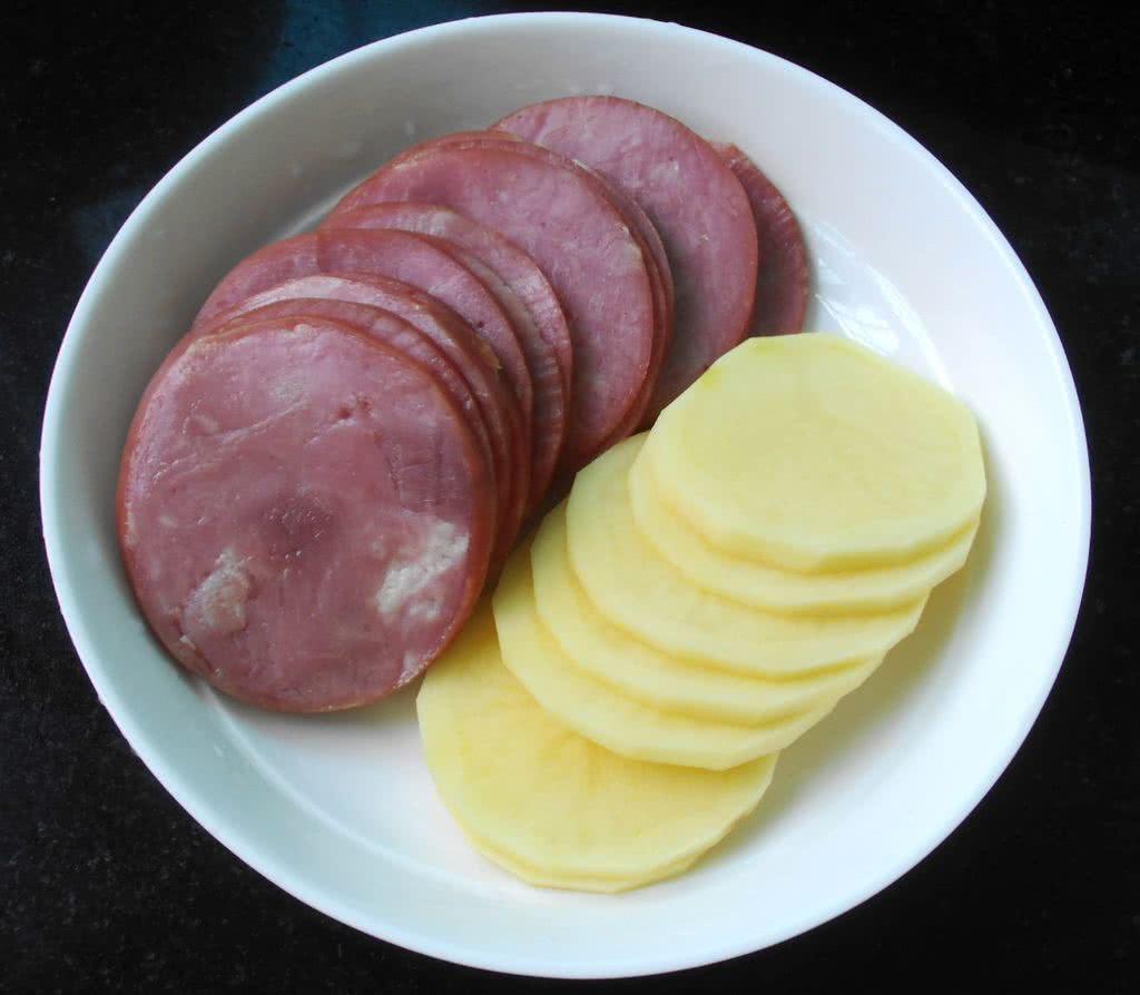 烟肉土豆塔的做法图解2