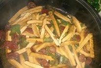 豆干炒腊肠的做法