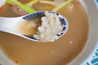 酸辣海鲜汤,做的快,喝的快