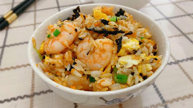 虾仁海胆紫菜炒饭的做法