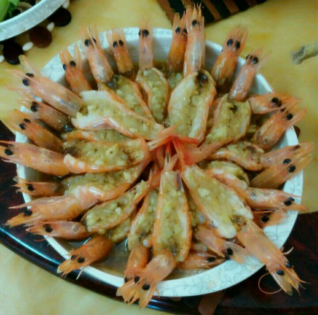 蒜蓉虾的做法图解1