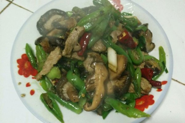 冬菇炒肉的做法