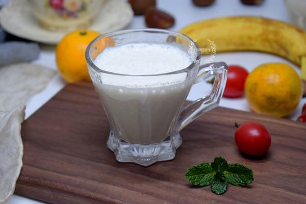 香蕉牛奶饮的做法