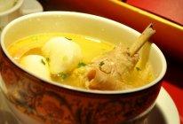 墨鱼煨鸡汤的做法
