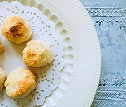 简单到三种食材的椰蓉球的做法