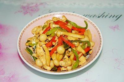 鸡胸肉炒白玉菇