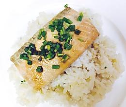 三文鱼盖饭的做法