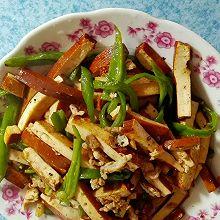 青椒干子炒肉丝