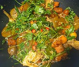 用火锅底料做超简单的麻辣香锅的做法