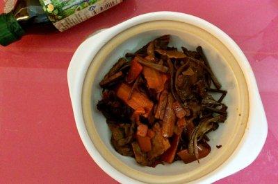 之干锅茶树菇