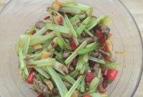 怎么炒都不会老的泡椒牛柳的做法