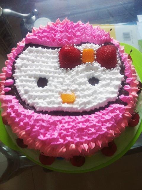 酸奶冻芝士蛋糕 可爱的小汽车生日. 极致的细腻--.