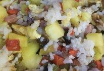 菠萝炒什锦饭的做法