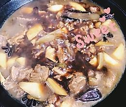 红烧牛肉山药炖手擀粉的做法