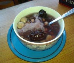 祛湿养颜排毒又减肥——红豆薏仁莲子汤水的做法
