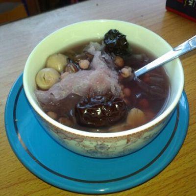 祛湿养颜排毒又减肥——红豆薏仁莲子汤水