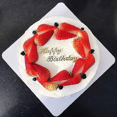 草莓奶油夹心裸蛋糕