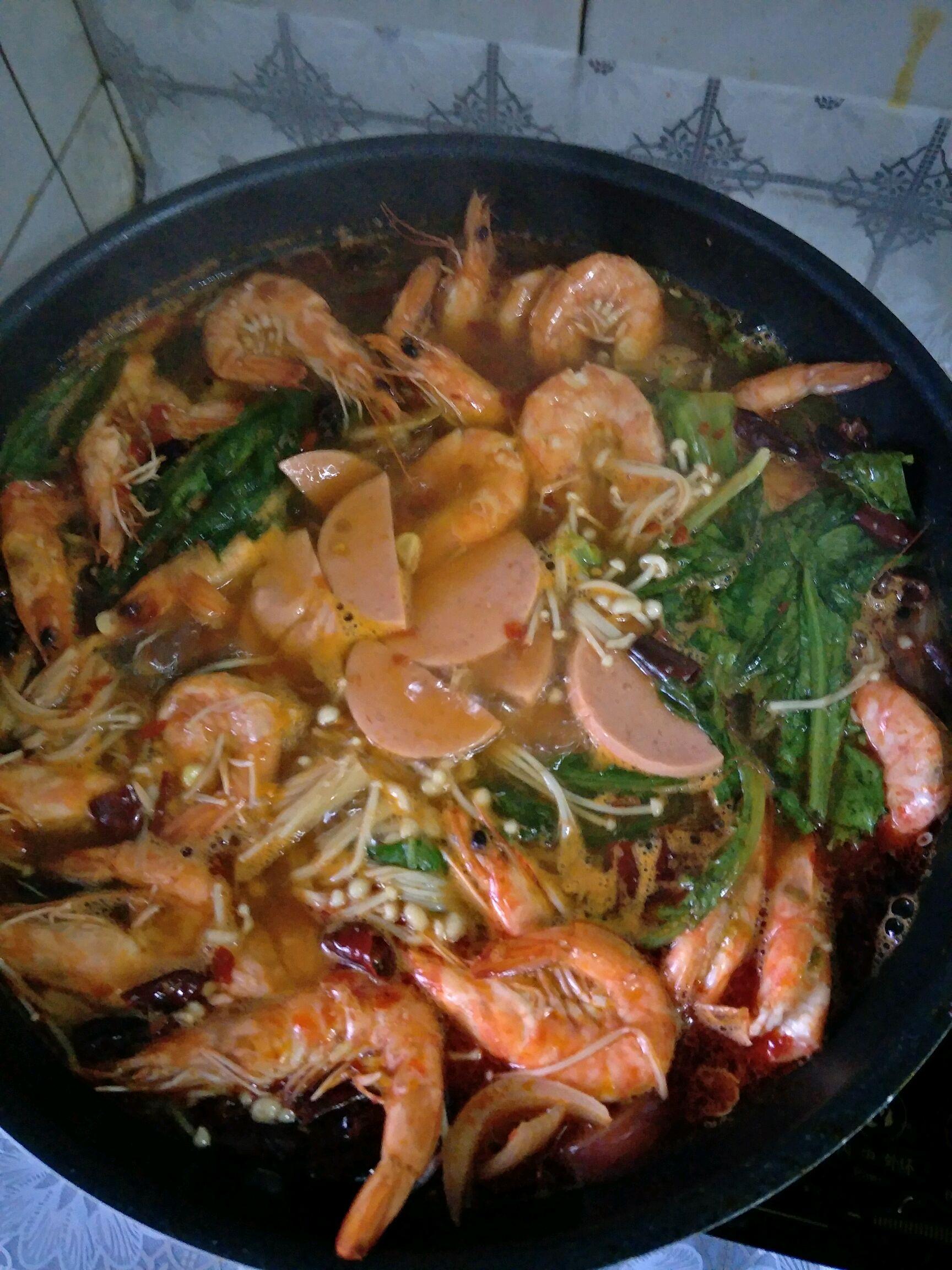 虾吃虾涮的做法步骤        本菜谱的做法由  编写,未经授权不得转载
