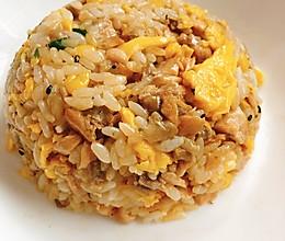 儿童餐之三文鱼蛋炒饭的做法