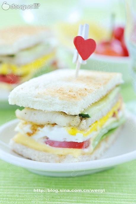 鲷鱼煎蛋三明治的做法