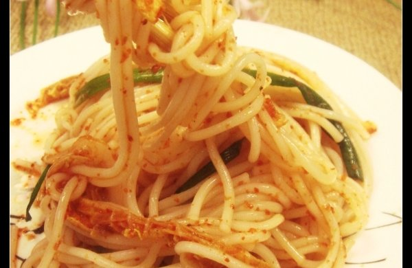 增强肠胃中的有益菌--泡菜汁拌面