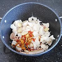 猴头菇炖鸡汤的做法图解5