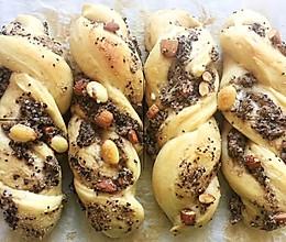 #新春美味菜肴#坚果面包的做法