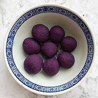 懒人自有妙计:红豆沙蛋黄酥 &紫薯肉松蛋黄酥(蛋挞皮版)的做法图解7
