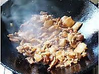 猪肉酸菜炖粉条的做法图解4