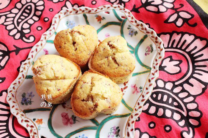 奶香蔓越莓杏仁爱心蛋糕_熊熊的宝的美食日记_豆果美食