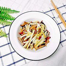 香蘑蒜黄炒腊肠