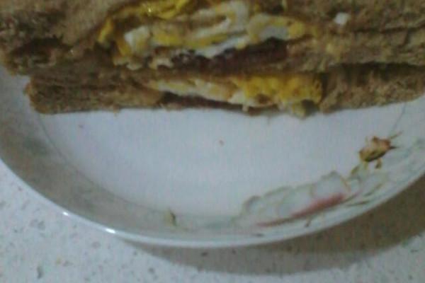 鸡蛋培根三明治的做法
