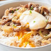【日式肥牛饭】肥牛加鸡蛋,懒人饭变得不一般!