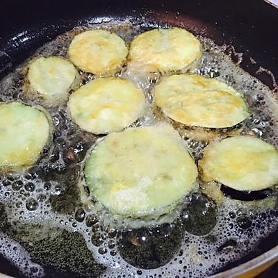 面包糠茄盒的做法 步骤6