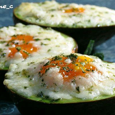 芝士鸡蛋烤牛油果