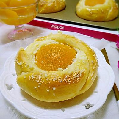 黄桃奶酪面包