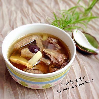 山药红枣鸽子汤