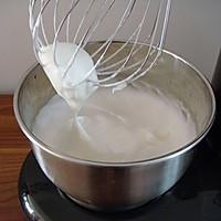 戚风奶油蛋糕卷的做法图解7