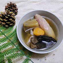 响螺猴头菇羊肚菌花胶汤