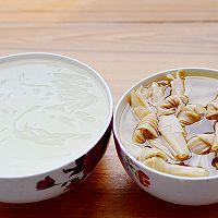 一刻钟做出一锅靓汤——简易版鸭血粉丝汤的做法图解2