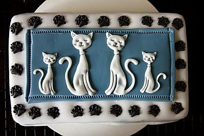 古典猫翻糖巧克力蛋糕配覆盆子奶油霜