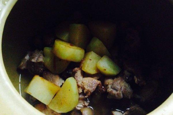 土豆猪蹄的做法